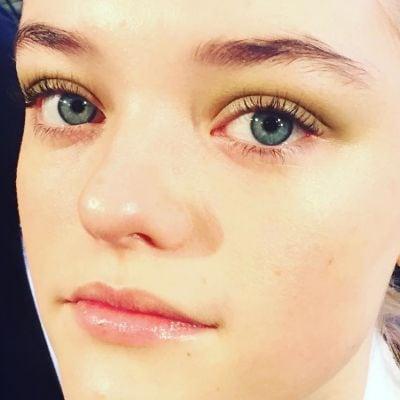 Victoria Beckham Autunno-Inverno 2016: il beauty look è personalizzato