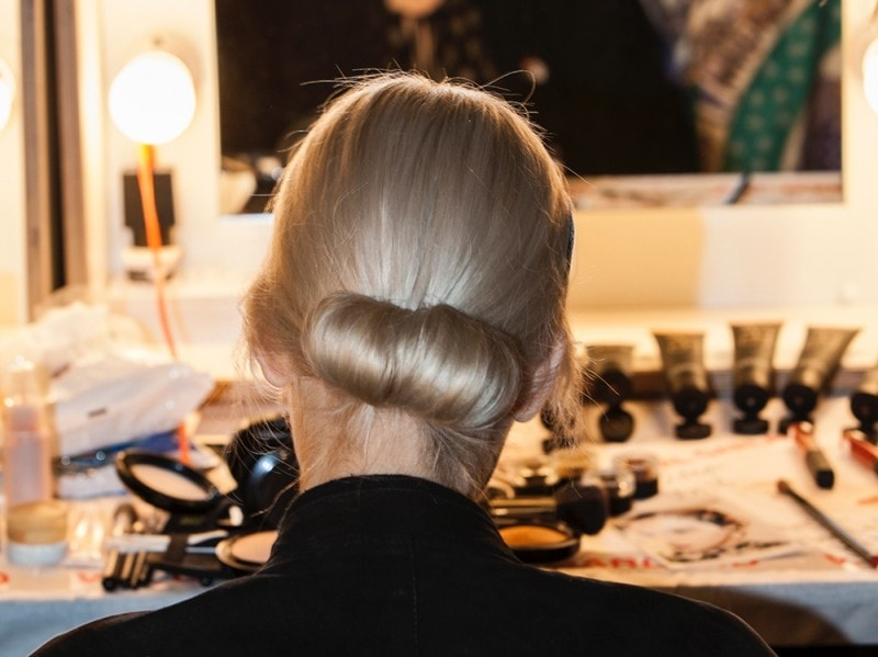 erdem-autunno-inverno-2016-backstage-beauty-11
