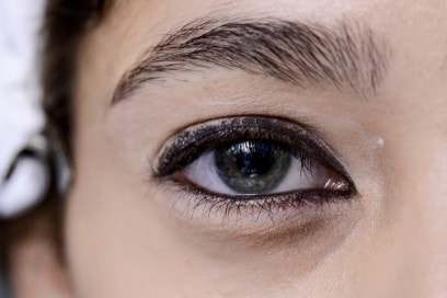 eyeliner-tendenze-primavera-estate-2016-Anthony-Vaccarello