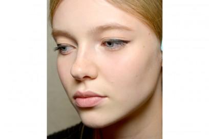 eyeliner-tendenze-primavera-estate-2016-Tory-Burch-1