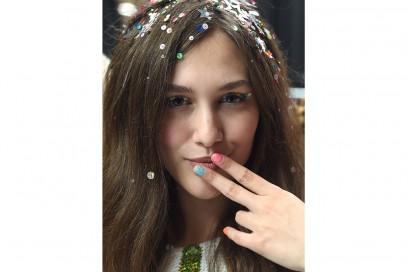 manicure glitter multi color