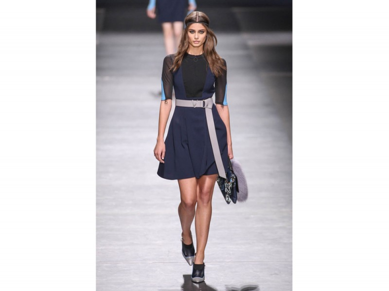 taylor-hill-versace