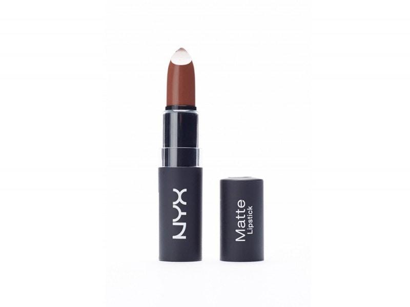 zendaya-make-up-nyx-matte-lipstick-maison