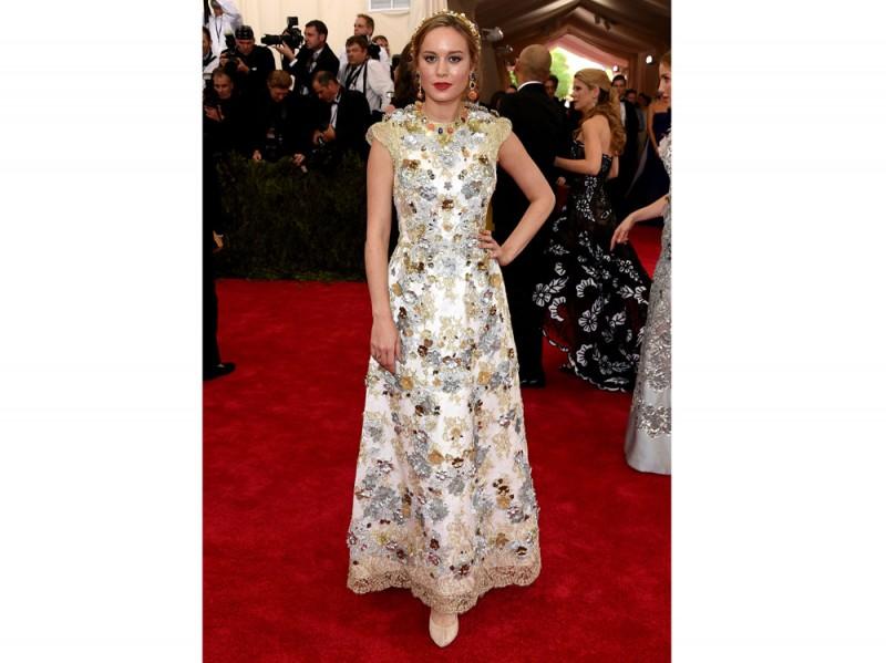 Brie Larson in Dolce e Gabbana met gala 2015