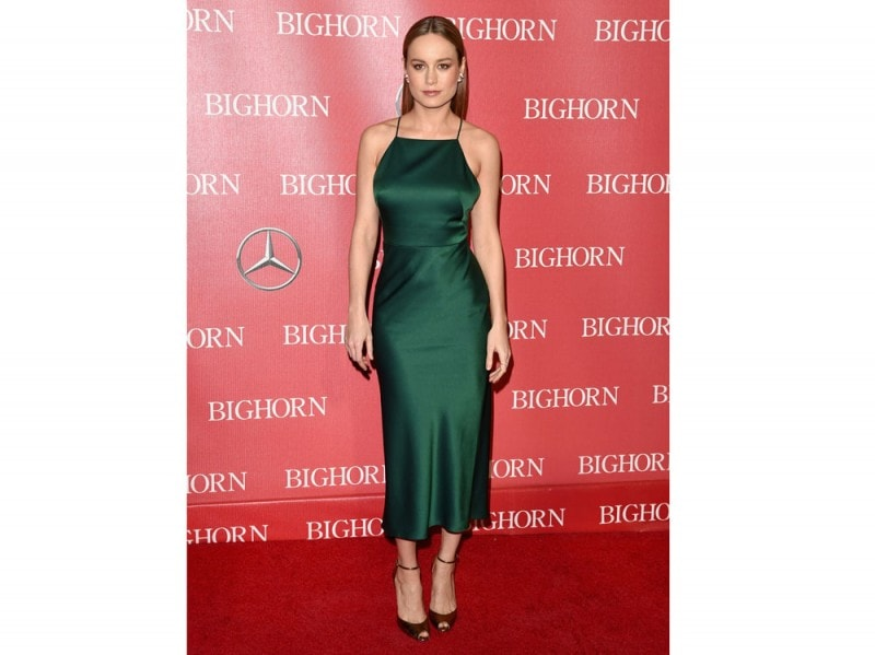 Brie Larson in longdress verde a sottoveste