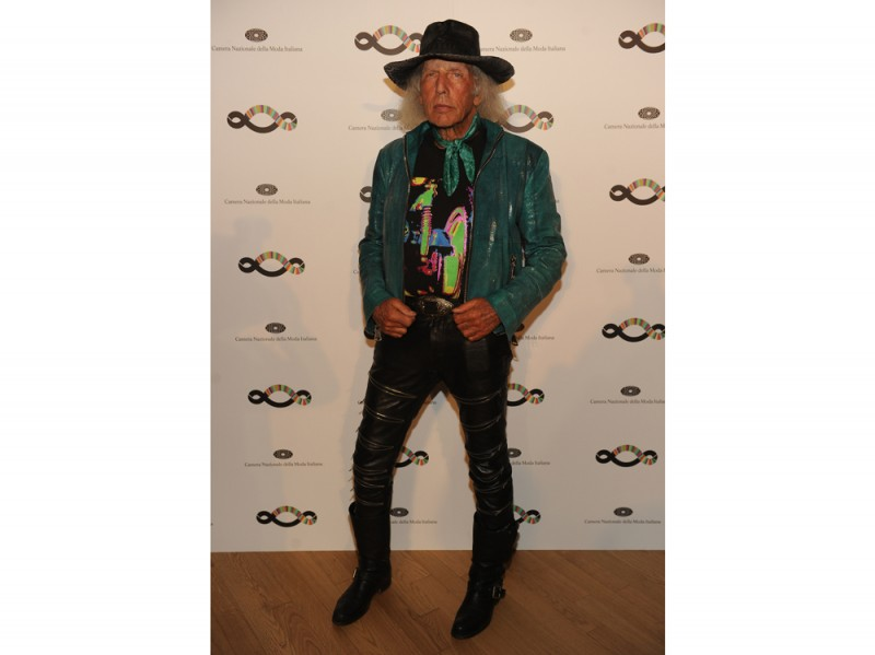 Sustainable-Drink-For-A-Sustainable-Fashion_James-Goldstein