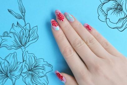 blooming-red-nail-art