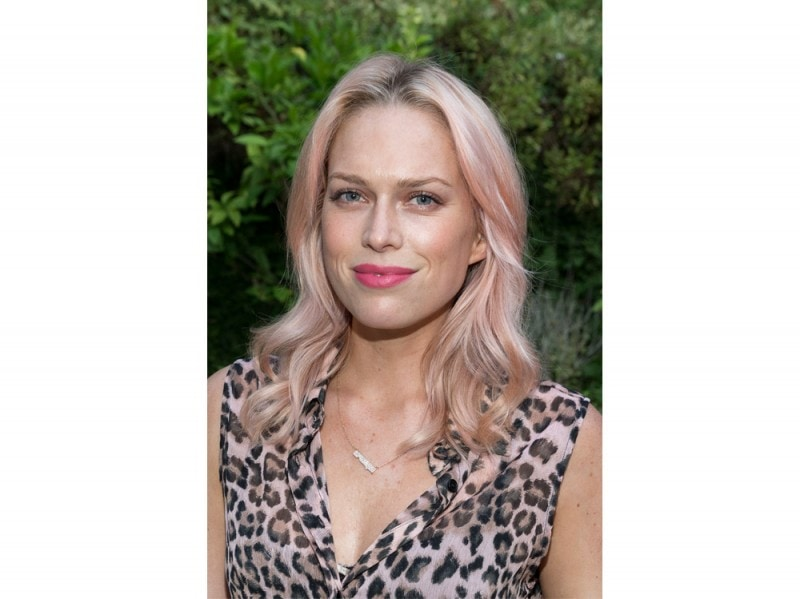 capelli-rose-gold-hair-erin-foster