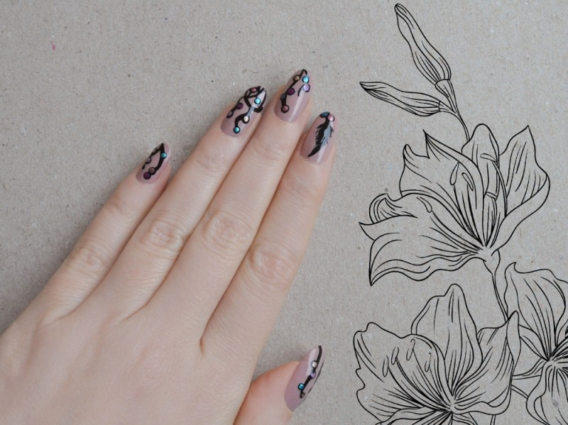 dream-catcher-nail-art