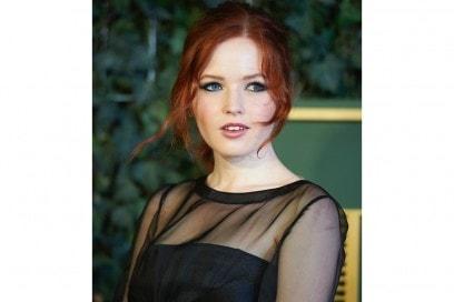 ellie-bamber-beauty-look-6