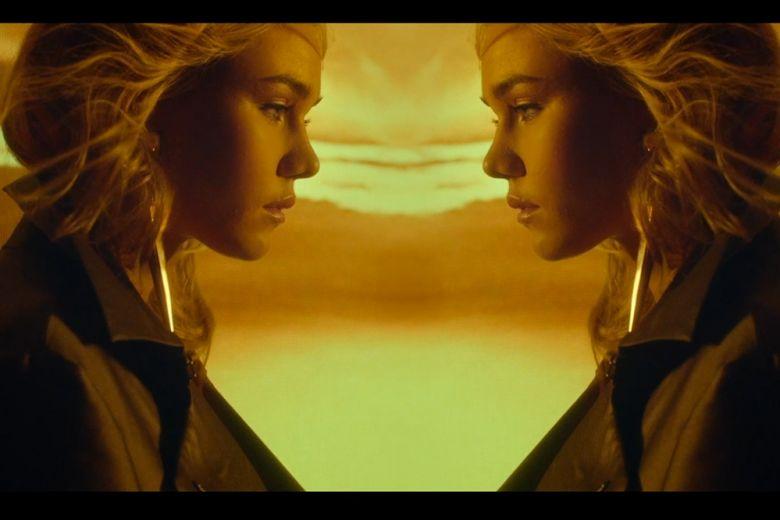Emporio Armani: il video con Immy Waterhouse