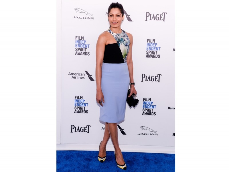 freida-pinto-pumps-color-block