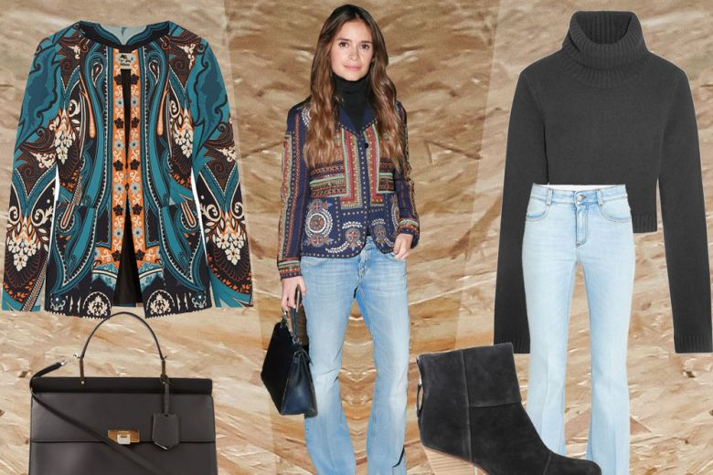 Miroslava Duma con blazer ricamato e jeans flare: get the look!