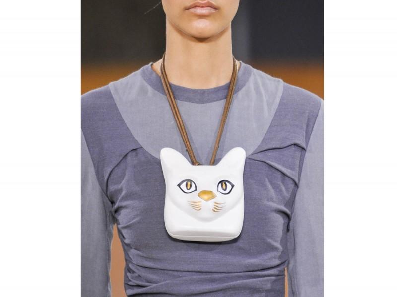 loewe-monile-cat