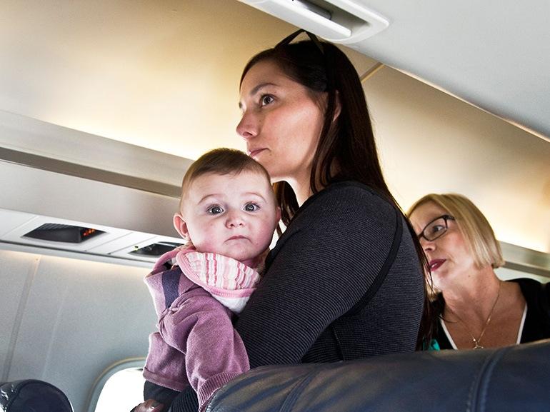 mamma bebe aereo
