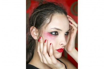 negative space manicure pe16 Olympia-Le-Tan_nls_W_S16_PA_003_2224437
