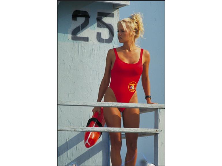 pamela anderson baywatch salvataggio