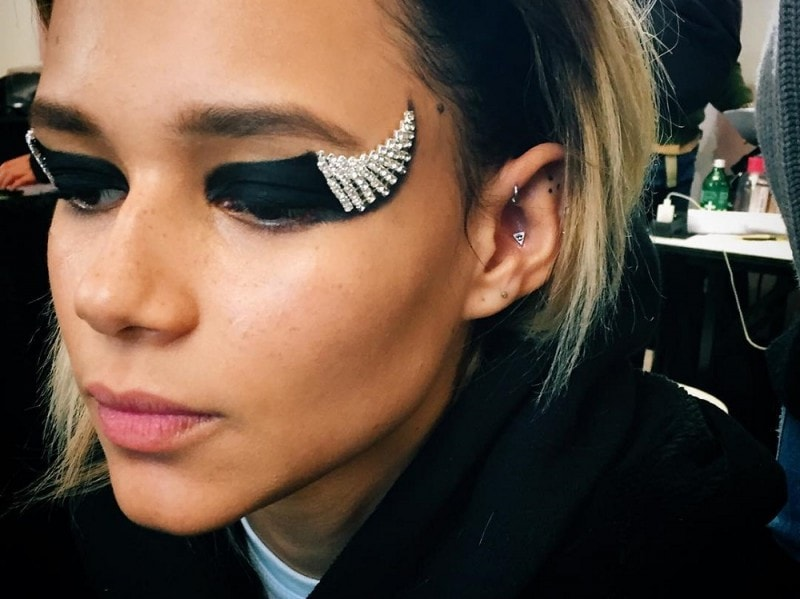 pfw-fw-2016-beauty-look-anthony-vaccarello