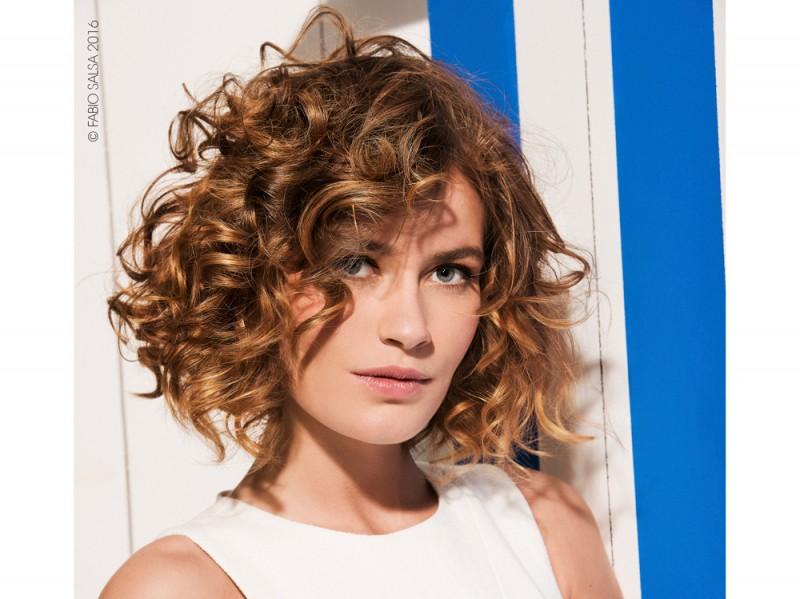 Tagli capelli ricci medio lunghi 2015
