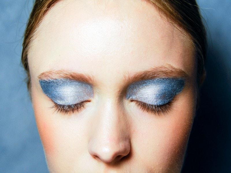 trucco-occhi-glitter-primavera-estate-2016-Leitmotiv_eem_W_S16_MI_014_2223098