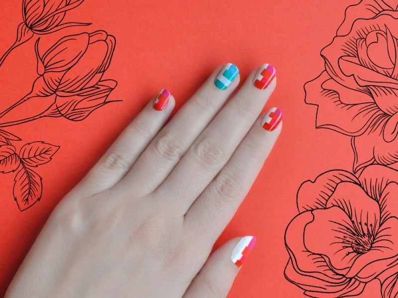 wide-stripes-nail-art