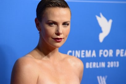 Charlize-Theron-capelli-sleek-effect