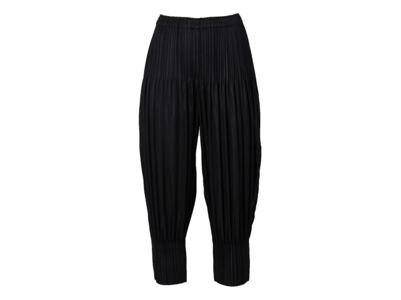 ISSEY MIYAKE  cuff detail pleated wide tapered trousers_Farfetch