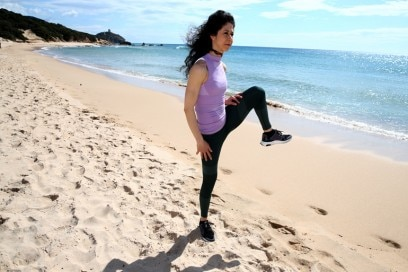alzate-gambe-riscaldamento-esercizi-per-rassodare-gambe-glutei