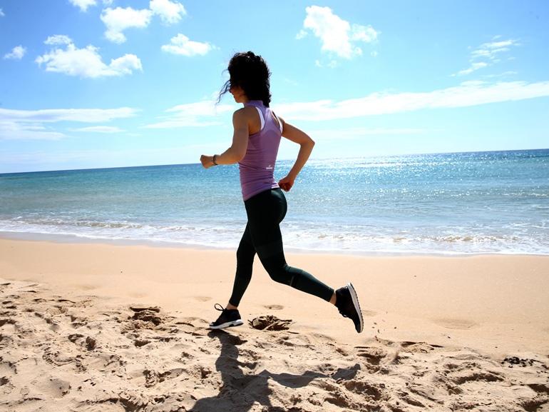 corsa-riscaldamento-esercizi-per-rassodare-gambe-glutei