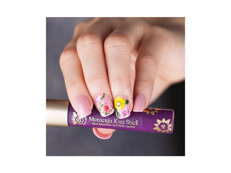 kiss nails facebook