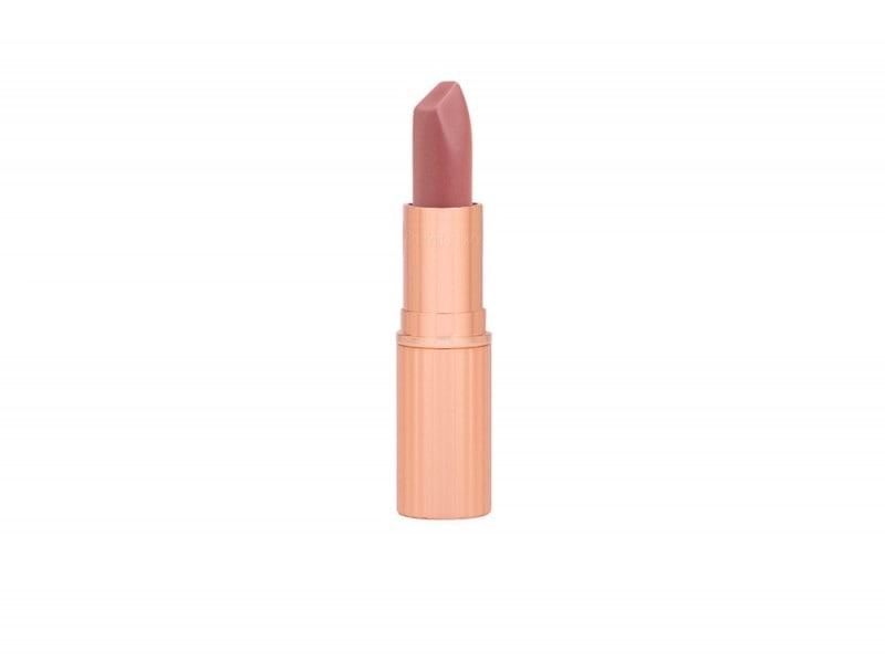 rossetto-nude-opaco-color-carne-charlotte-tilbury-matte-revolution-very-victoria
