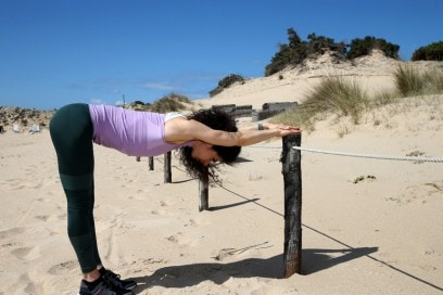 stretching-schiena-esercizi-per-rassodare-gambe-glutei