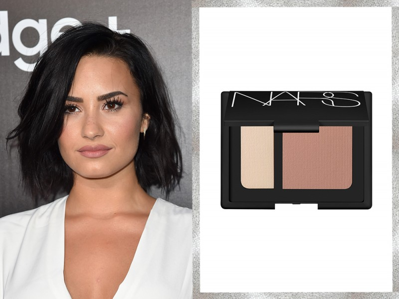 trucco-correttivo-difetti-star-Viso-tondo-Demi-Lovato
