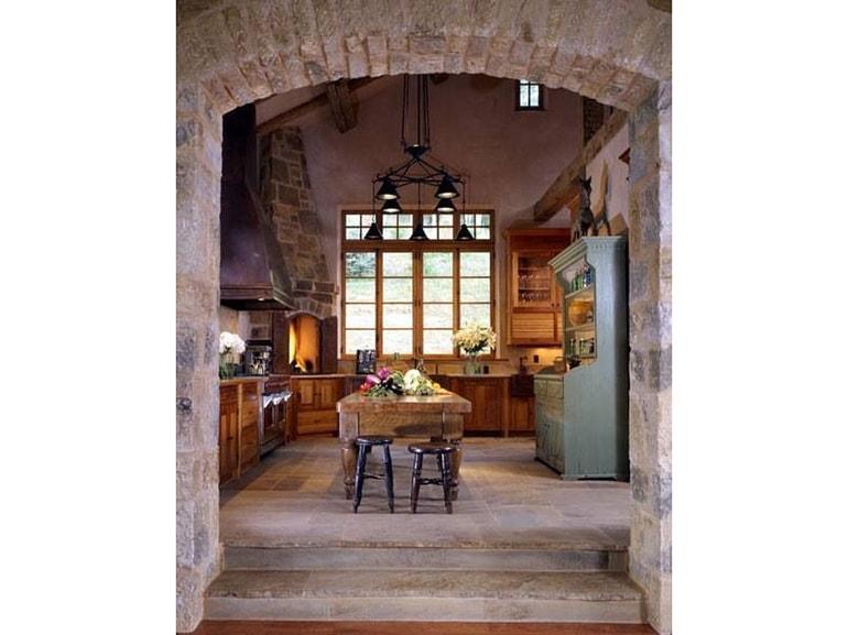 13 stile rustico cucina legno camino pareti pietra foto - Camino in cucina ...