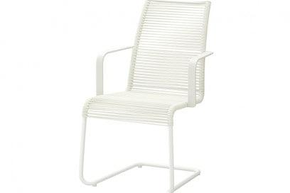 Poltrone Ikea Da Giardino.10 Sedie E Poltrone Da Giardino Di Colore Bianco Foto Grazia It