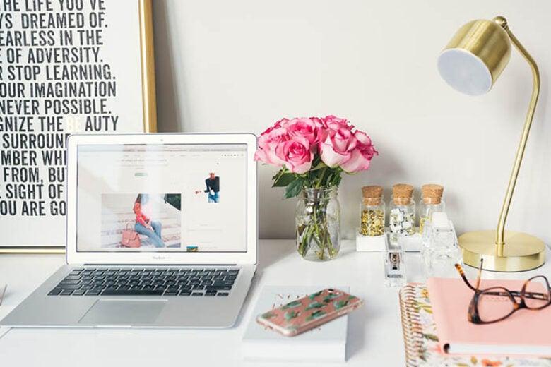 10 idee per organizzare la perfetta postazione lavoro a casa