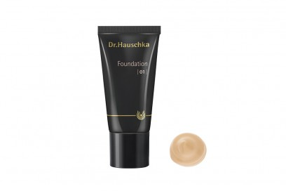 Foundation-01-with-swatch