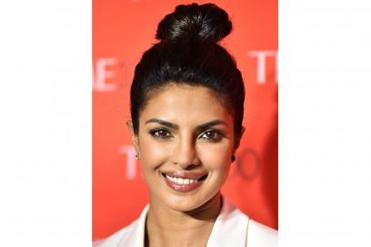 Priyanka-Chopra-capelli-chignon