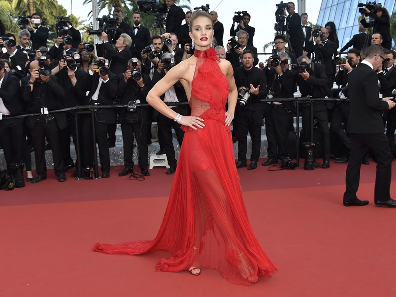 ROSIE-HUNTINGTON-WHITELEY–cannes-olycom