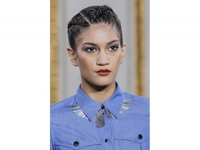 Vanessa-Seward capelli raccolti estate 2016