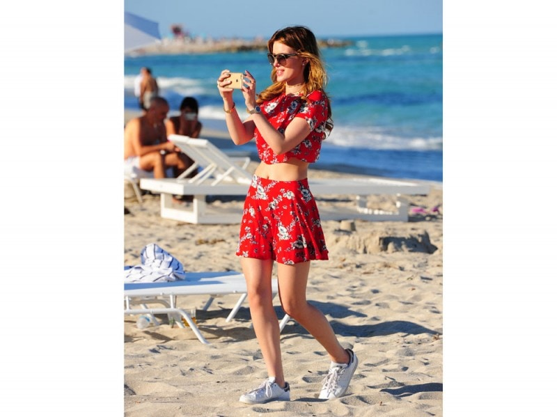 bella-thorne-shorts-rossi