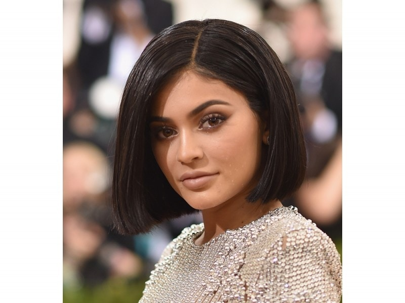 capelli-effetto-bagnato-Kylie-Jenner
