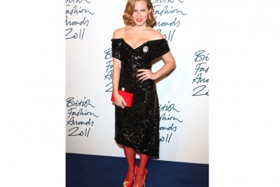 charlotte olympia abito nero collant rossi GettyImages