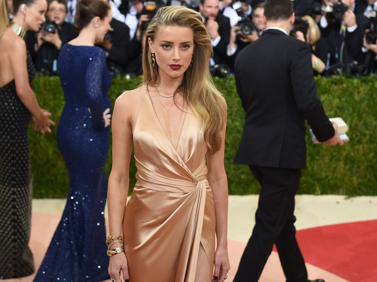 cover-amber-heard-look-mobile