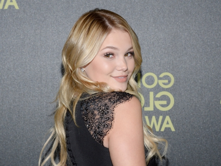 cover-olivia-holt-beauty-look-mobile