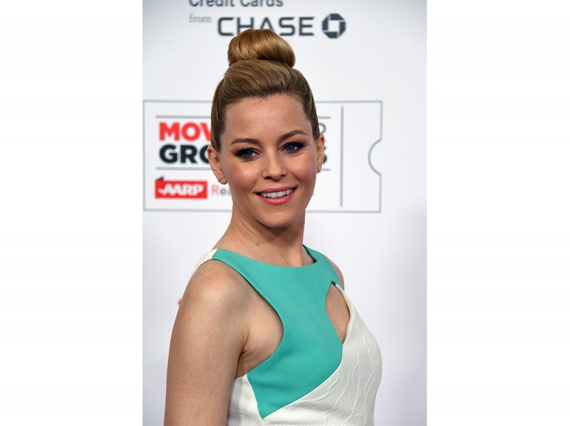 elisabeth-banks-capelli-chignon
