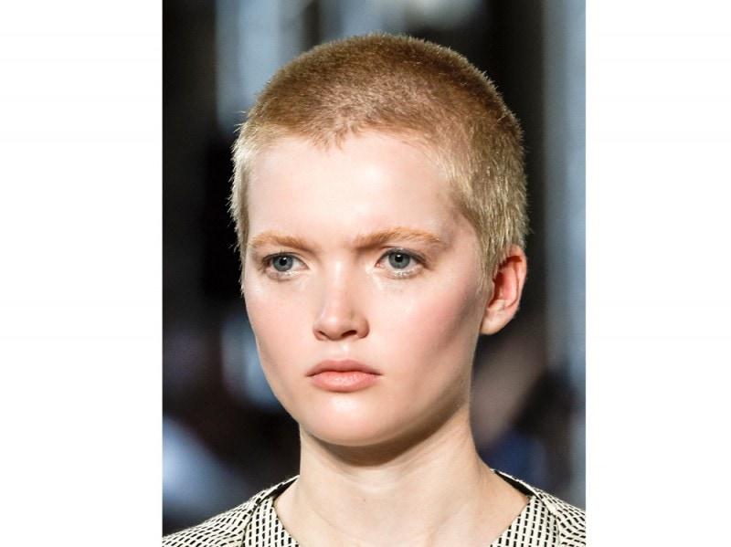 tagli-capelli-corti-estate-2016-Iris-Van-Herpen_bty_W_S16_PA_001_2240950