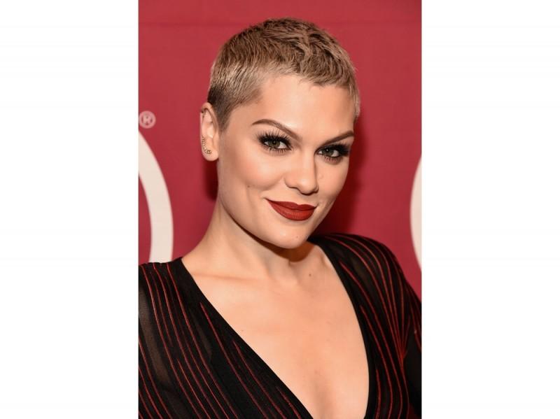 tagli-capelli-corti-pixie-cut-Rita-Ora