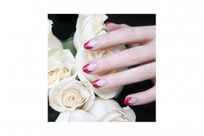 10-nail-art-da-provare-ora-pe2016-JinSoon_Petal