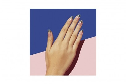 10-nail-art-da-provare-ora-pe2016-PaintboxNail_Foil_Negativespace